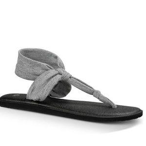 Sanuk Yoga Sling In Gray NWT